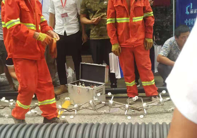 南京市政管道修复现场